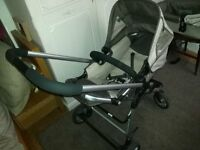 I-Cherry pram and pushchair with carry cot