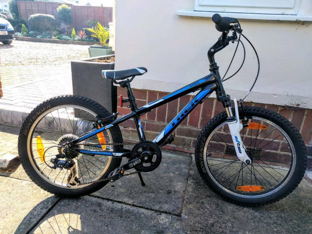 16e31e239b2 Trek MT60 20 inch Kids Bike Black Blue White - Hardly used kept in a garage.
