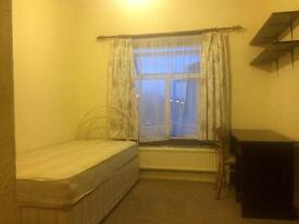 A nice clean bright double room and one lovely single room near Woodgreen Station