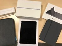 iPad Pro 32 GB Including Apple Pencil, Smart Keyboard, Pouch w/ Boxes - No Marks