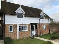 Room with ensuite in quiet cottage overlooking Bessels Green