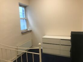 TWO BEDROOM FLAT TO LET AT UPPER CLAPTON ROAD, LONDON E5 9BU..
