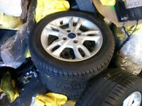 Set of 4 alloys like new, Ford fiesta