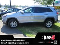 2014 Jeep Cherokee North,V6, 4X4, Remote Start, heated seats!