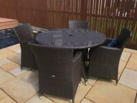 Garden Table with 4 chairs SOLD