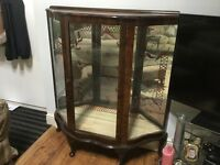 Vintage mahogany display cabinet approx 1950's with 2 glass shelves, mirrored and with key.