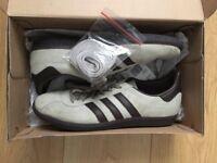 Adidas originals - Island series Cancun - Size 8- Grey/Brown - 8/10 condition