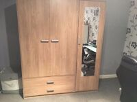 Like New mirrored 3 door wardrobe for sale