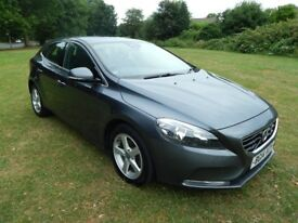 VOLVO V40 D2 SE - FREE ROAD TAX ! - CRUISE- PHONE - FULL SERVICE HISTORY - 1 OWNER