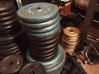 HUGH IRON WEIGHTS £1/1KG LOTS OF GYM EQUIPMENT
