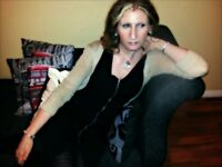 Experienced Female vocalist available for Covers/Tribute band