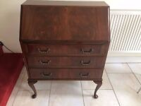 LOVELY SOLID MAHOGANY BUREAU WITH FALL FRONT SLOPE, WRITING DESK, 3 DRAWERS BELOW, SEE PHOTO'S