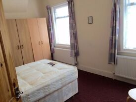 Double room available in clean and friendly house £120pw all bills inc