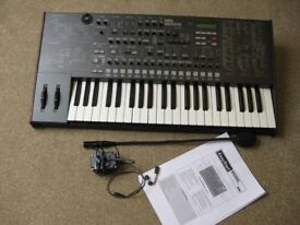 KORG MS2000B Analog Modeling Synthesizer/Vocoder - with Microphone