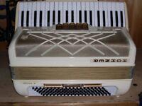 Hohner Virtuola III, 3 Voice, 120 Bass, Piano Accordion.