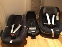 Maxi Cosi 3 piece bundle, i-size Pebble and Pearl car seats plus isofix base