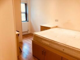 Large Ensuite Bedroom - Available ASAP