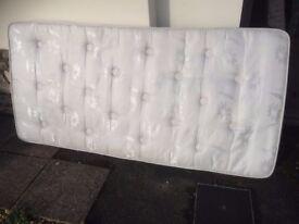 Single mattress , 3 foot