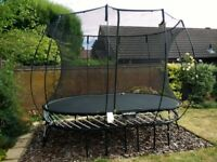 Springfree Oval Trampoline, Model 077, with flexistep.