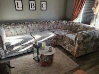 Lustre velvet corner sofa XL and pouffe