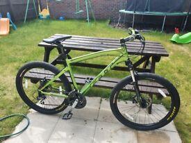 Practilly new Felt 220 6061 alloy mountain bike 21 speed 2.5 maxxis top specs ..read ad