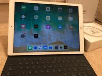 """Apple iPad Pro 12.9"""" WiFi & Cellular 128GB, Gold Boxed with Keyboard and Apple Case"""
