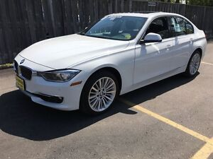2015 BMW 3 Series 328i xDrive, Navigation, Sunroof, AWD, 29, 000