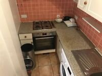 *** Nice 2 Bed Flat in Clapton ***