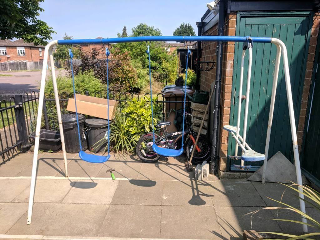 Kids swing set
