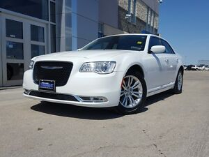 2015 Chrysler 300 Touring *Leather/Sunroof/Nav