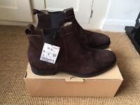 New In Box Men's Zara Chelsea Boots Brown Suede Size 11