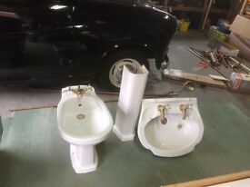 bathroom bidet, bath and hand basin with pedestal