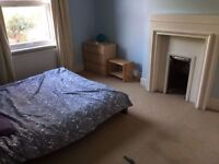 AMAZING OFFER FOR SHORT-LET AMAZING LOCATION LOVELY PROPERTY WITH LIVING ROOM