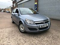 2006 (56) Vauxhall Astra 1.8 16v Petrol Automatic Gearbox 5 Dr Silver 2 Owners Runs & Drives Great