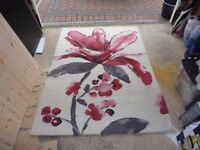 BEAUTIFUL USED NEXT MAGNOLIA RED/GREY/WHITE HAND CRAFTER 100% WOOL RUG 120 X 170CM