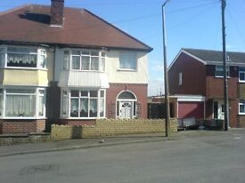3 Bed House < Oakham < DY2 7EY