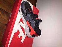 Nike Huarache (Size5.5)