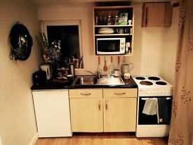 Small part furnished one bed flat/garage conversion