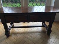 """Locks medium oak """"Long John"""" table"""