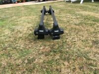 FORD FOCUS 2011- THULE ROOFBARS GOOD CONDITION 2X KEYS FOR LOCK