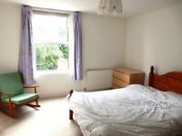Spacious 3 bedroom maisonette with private garden