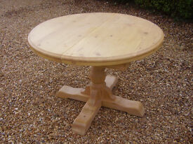 HEAVY SOLID PINE EXTENDING TABLE