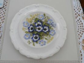 Watersmeet Studio Hand Painted Wall Plate HJ7