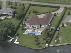 1 000 000$ - Domaine et villa à vendre à Rivière-Beaudette