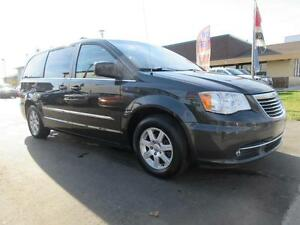2011 Chrysler Town and Country Cambridge Kitchener Area image 3
