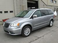 Chrysler Town & Country Limited 2015