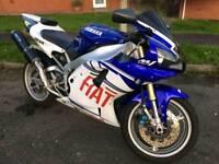 Yamaha r1 superbike