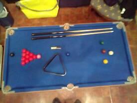 Children's pool/snooker table