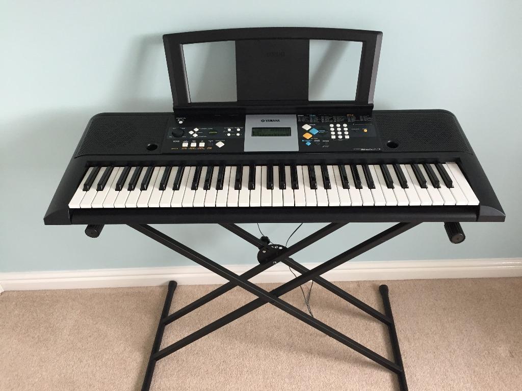 Yamaha psr e223 keyboard with stand in ingleby barwick for Yamaha psr stand