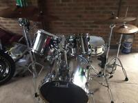"""Pearl VB Vision chrome 22"""" drum kit"""